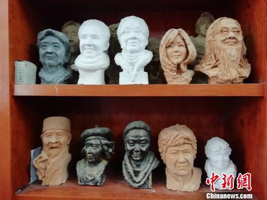 李柏林的肖像雕塑 兰艳 摄