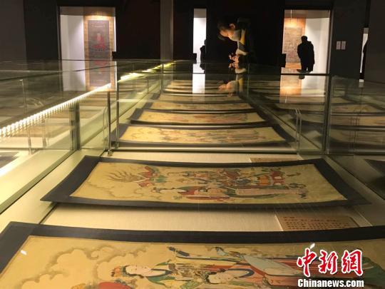 水陆画是伴随佛教水陆法会产生并发展起来的宗教文化遗产,它的图像内容主要根据水陆仪轨及民俗信仰进行绘制 胡健 摄