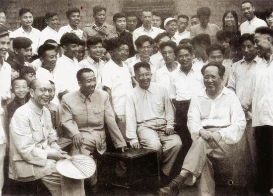1959年6月,毛泽东、罗瑞卿、王任