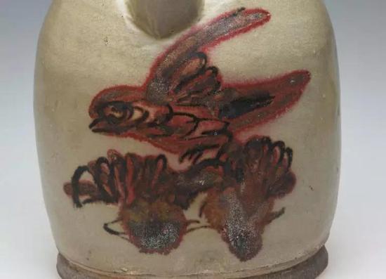 长沙窑青釉红褐绿彩鸟纹瓷壶局部 长沙市博物馆藏