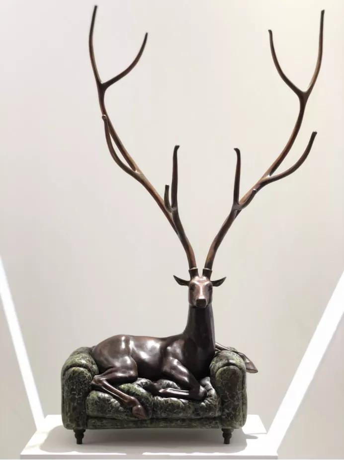 张勇《迷鹿系列》铸铜 38 x 20 x 100cm
