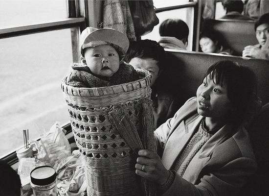 展览名称:火车上的中国人——王福春摄影作品展