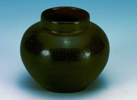 锥画云纹漆罐 西汉 扬州博物馆藏