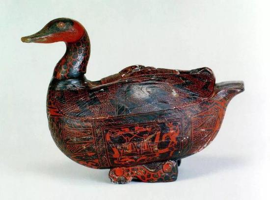 彩绘乐舞图鸳鸯形漆盒战国 湖北省博物馆藏