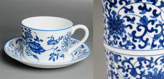 再看这个,左边是Wedgwood仿青花缠枝纹,右边是青花缠枝纹。