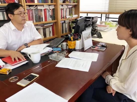 徐里接受《中国美术报》专访