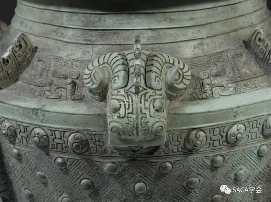 ▲ 四羊首瓿,商代晚期,14.24kg,上海博物馆藏,羊首。