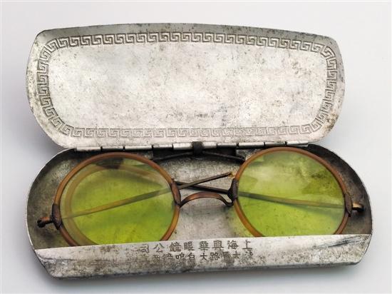 第一代光学玻璃制造的太阳镜片