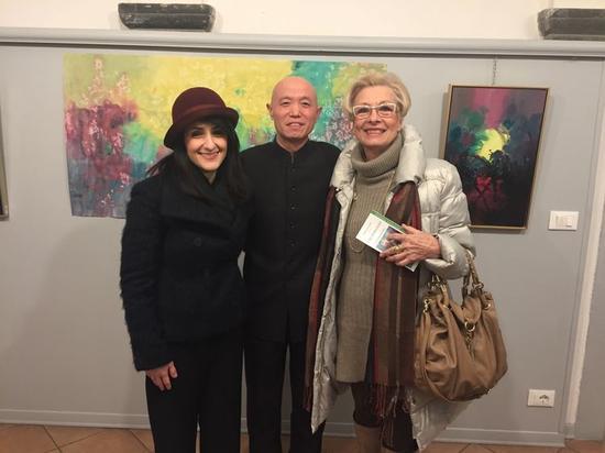 与佛罗伦萨著名艺术评论家及资深收藏家合影