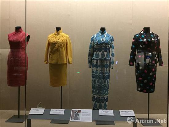 """""""百年时尚:香港长衫故事""""展览现场"""