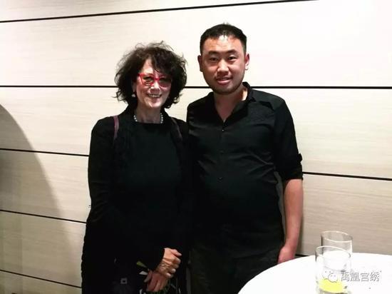 创始人赵兴旺与MARIA LUISAGALBIATI教授交流中国刺绣品牌规划与设计