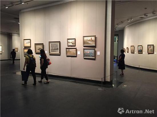 """""""时代形象:袁浩、张文作品展""""展览现场"""