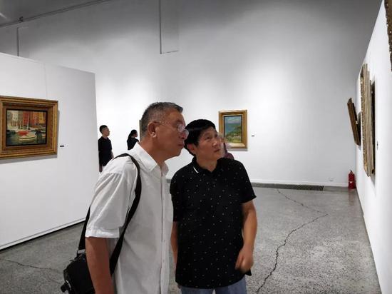 戴士和先生与版画院院长王玉林先生现场交流