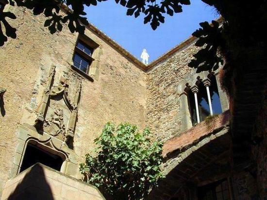 普博尔城楼的天井