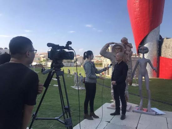 移民外星人作者傅榆翔先生接受旅游卫视媒体采访