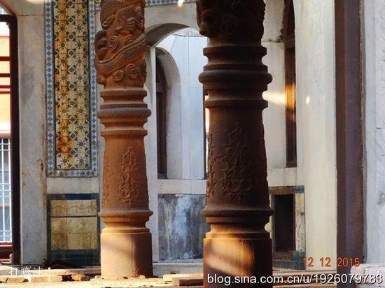灵沼轩中的蟠龙柱与墙体瓷砖