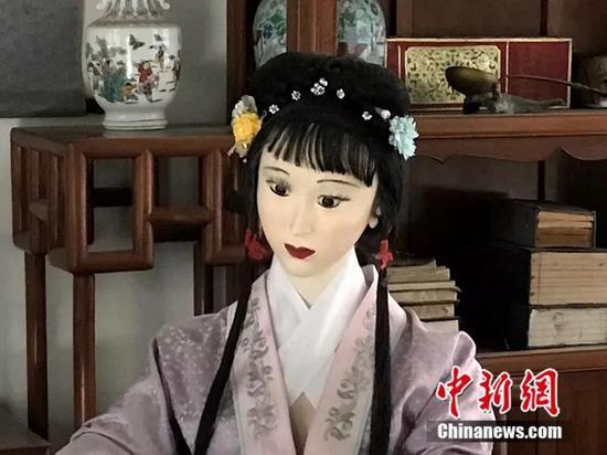 北京大观园蜡像吓哭小孩    这是有多丑