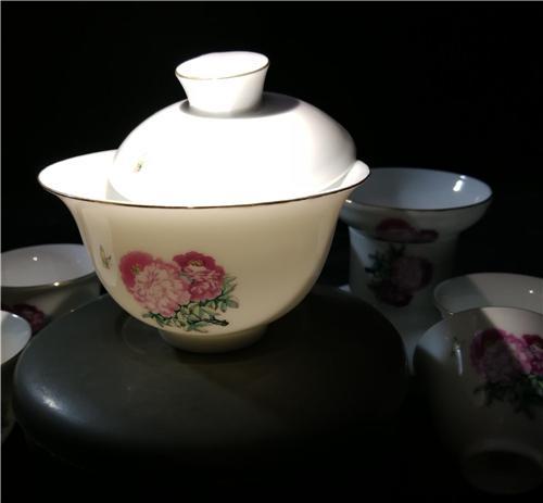 王纯祥《菱眼猫》牡丹花茶具