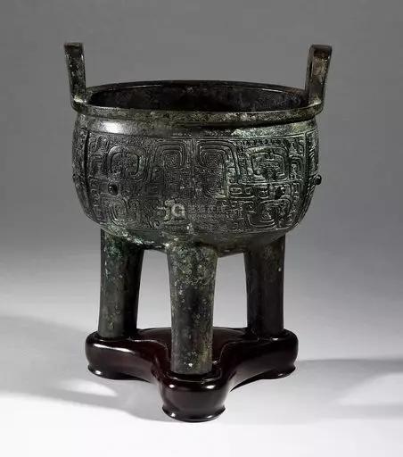 840 商 青铜饕餮纹鼎成交价:9,555,200日元
