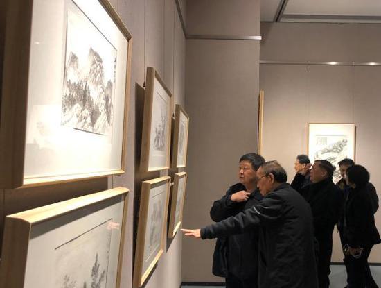 """上海视觉艺术学院""""萧海春山水画研究工作室""""展览现场"""