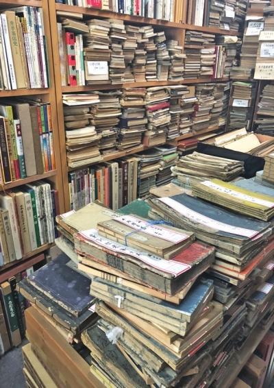 日本的古旧书店有很多中国古籍