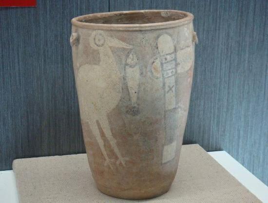 TOP1:彩绘鹳鱼石斧图陶缸