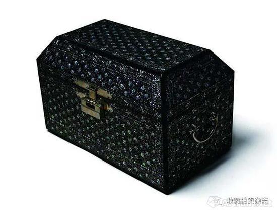 纯菊花纹螺钿漆器丨藏于东京国立博物馆