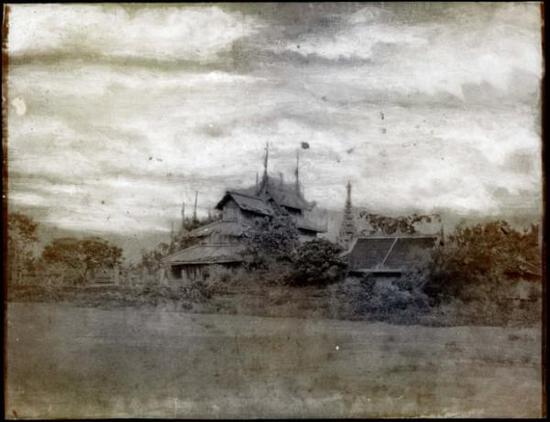 托马斯·拉夫对维多利亚时代士兵林奈斯·特里普的作品的重新想象