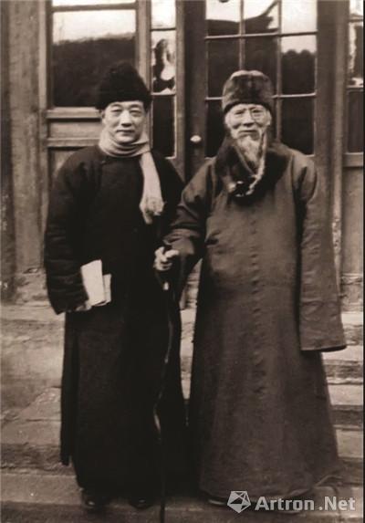齐白石(右)与徐悲鸿合影