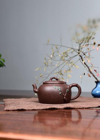 范利英紫砂壶--劲松