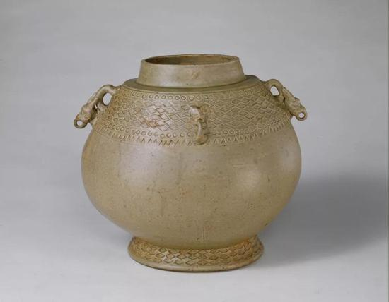 西晋越窑系青釉双系卣,现藏北京故宫博物院