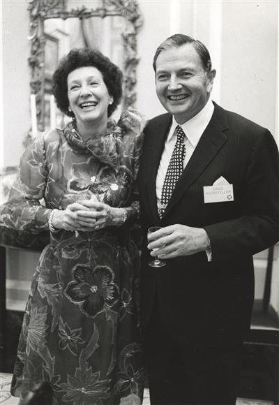 佩吉与大卫·洛克菲勒。