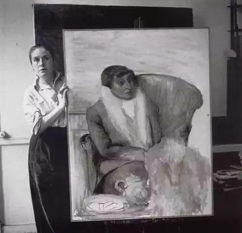 朵拉和她的画作《Portrait of Alice Toklas》,1946年