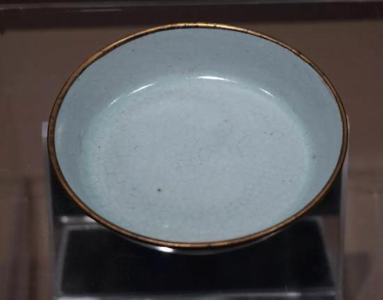 北宋 汝窑天青釉洗 现藏于故宫博物院
