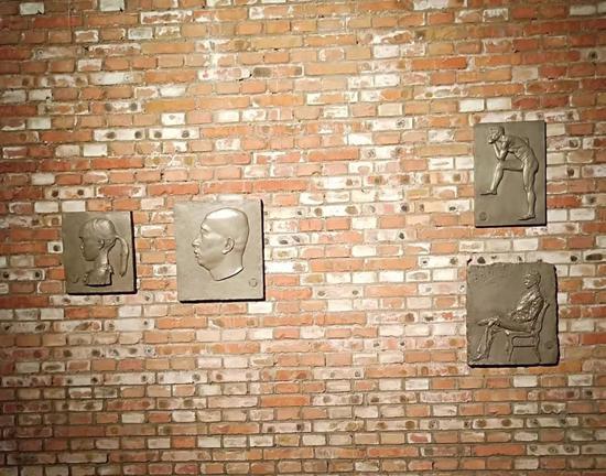 翟庆喜《浮雕系列》 材质铸铜 47cm高 4件 2015