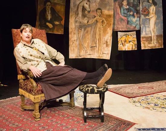 当代话剧重识格特鲁德与毕加索等艺术巨匠的情缘