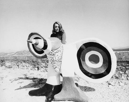 她,是二十世紀傳奇女藝術家;