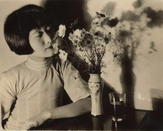 周鍊霞(1909-2000)