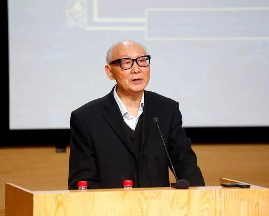 中央美术学院教授邵大箴致辞