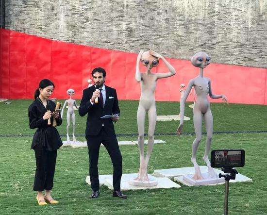 意大利文化艺术中心代表卢卡先生为此次展览致词