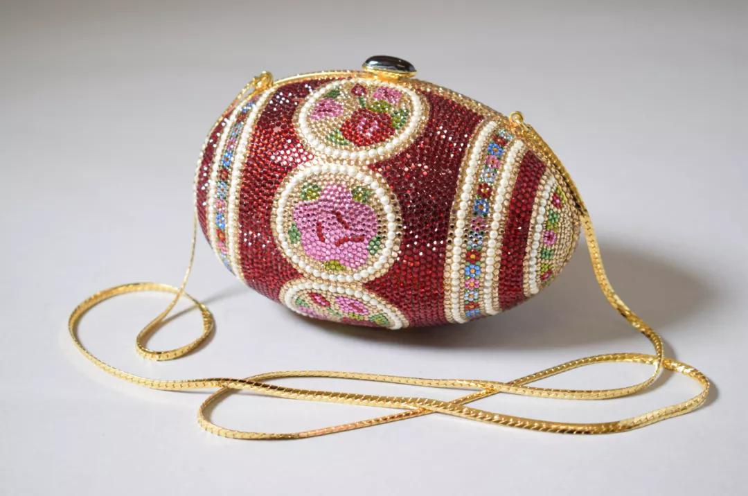 Rhinestone encrusted metal 'Faberge Egg' evening bag, Judith Leiber ©️ Victoria and Albert Museum, London