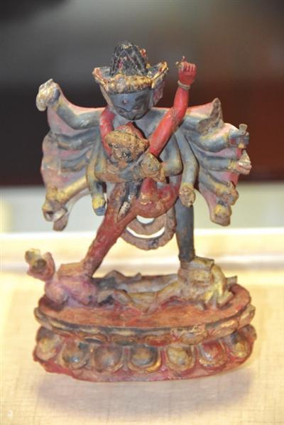 西夏木制文物极为罕见 木雕金刚展现丰富生活
