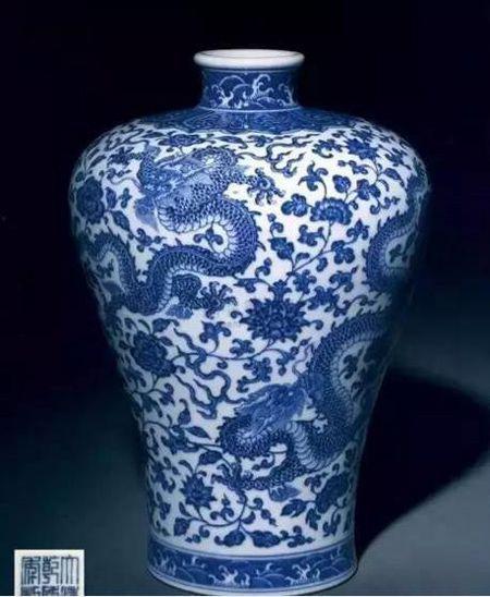 清乾隆 青花穿花龙纹梅瓶 尺寸 32.8cm