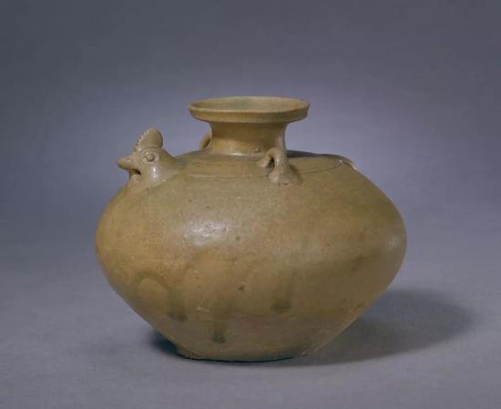 西晋青釉鸡头壶,现藏北京故宫博物院