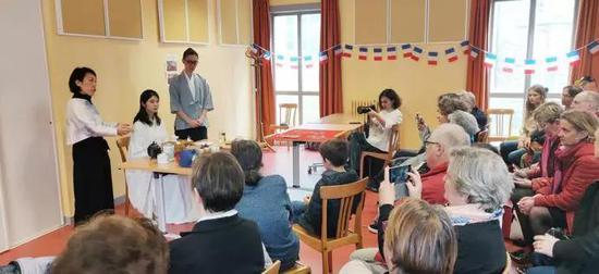 市会议厅传统茶艺与茶道演示