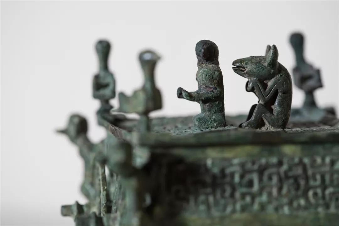 春秋·车形铜器(局部)