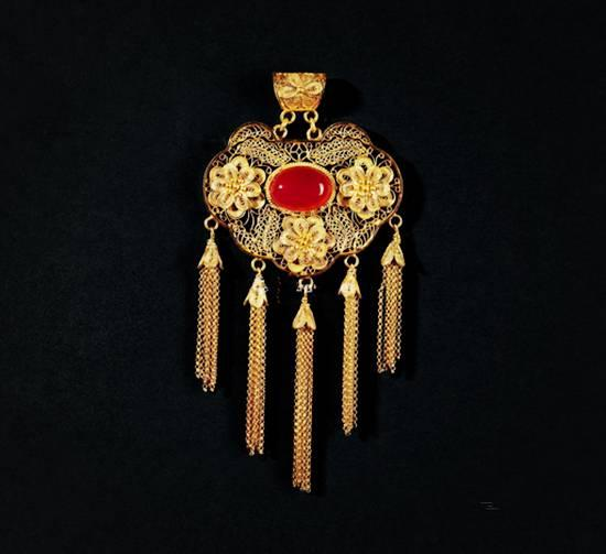 《如意锁》花丝镶红玛瑙长命锁吊坠