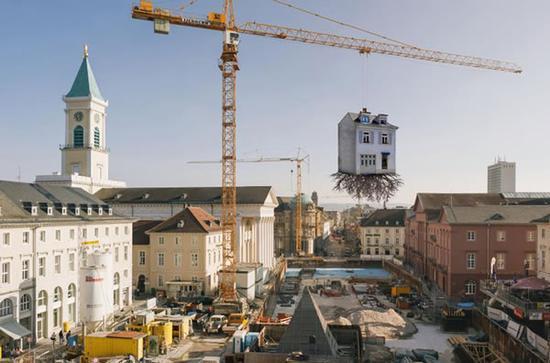 德国卡尔斯鲁厄吊在半空的屋子