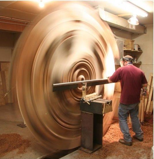 废弃木头被木匠化腐朽为神奇