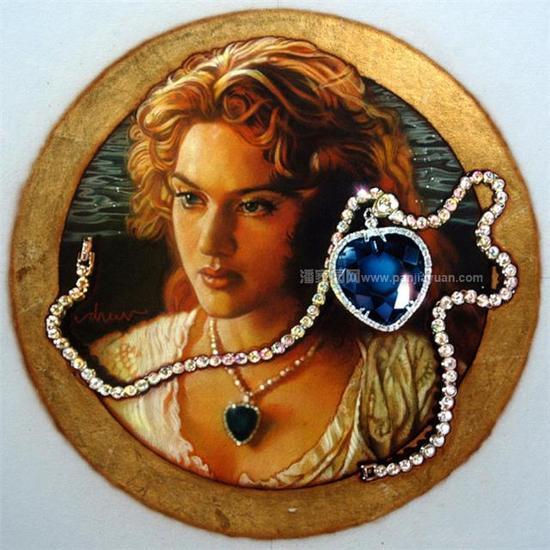 这个只产在坦桑尼亚乞力马扎罗山下区区20平方公里山麓的蓝色宝石,在最近的一两年中,国内价格以每年50%的速度不断增长。在西方,坦桑石早就跻身高档珠宝行列,顶级的坦桑蓝深邃浓郁,呈现天鹅绒般的丝绒感,色彩完全可以跟皇家蓝宝石媲美。坦桑石那美丽的艳蓝色,恰恰是最优质蓝宝石才有的颜色,除此,坦桑石的净度比蓝宝石要高。